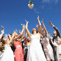 Brautstrauss werfen