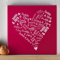Geschenke zum Hochzeitstag: Leinwand mit Herz aus Namen