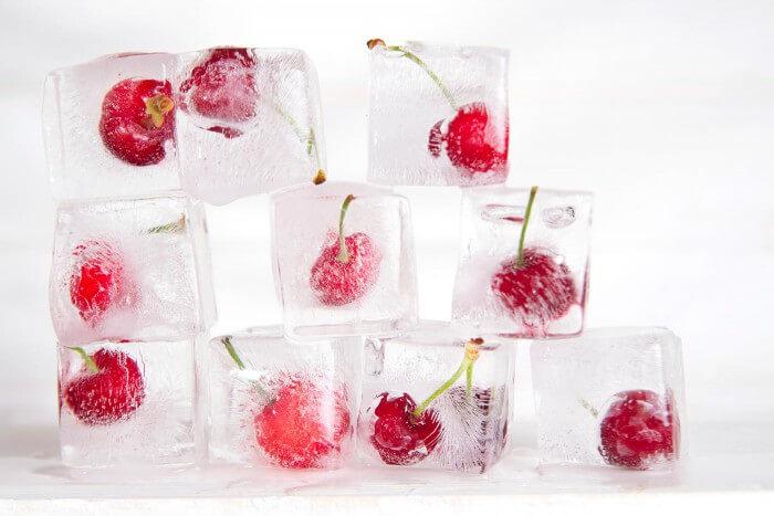 Eiswürfel mit Früchte