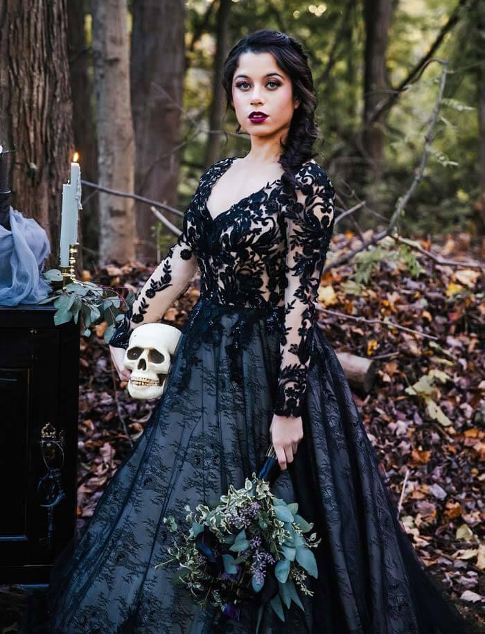 Schwarzes Hochzeitskleid