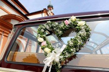 Autoschmuck Hochzeit Herzform