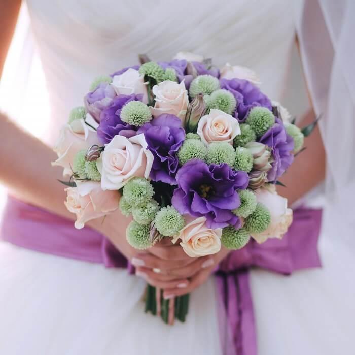 Brautstrauß lila creme