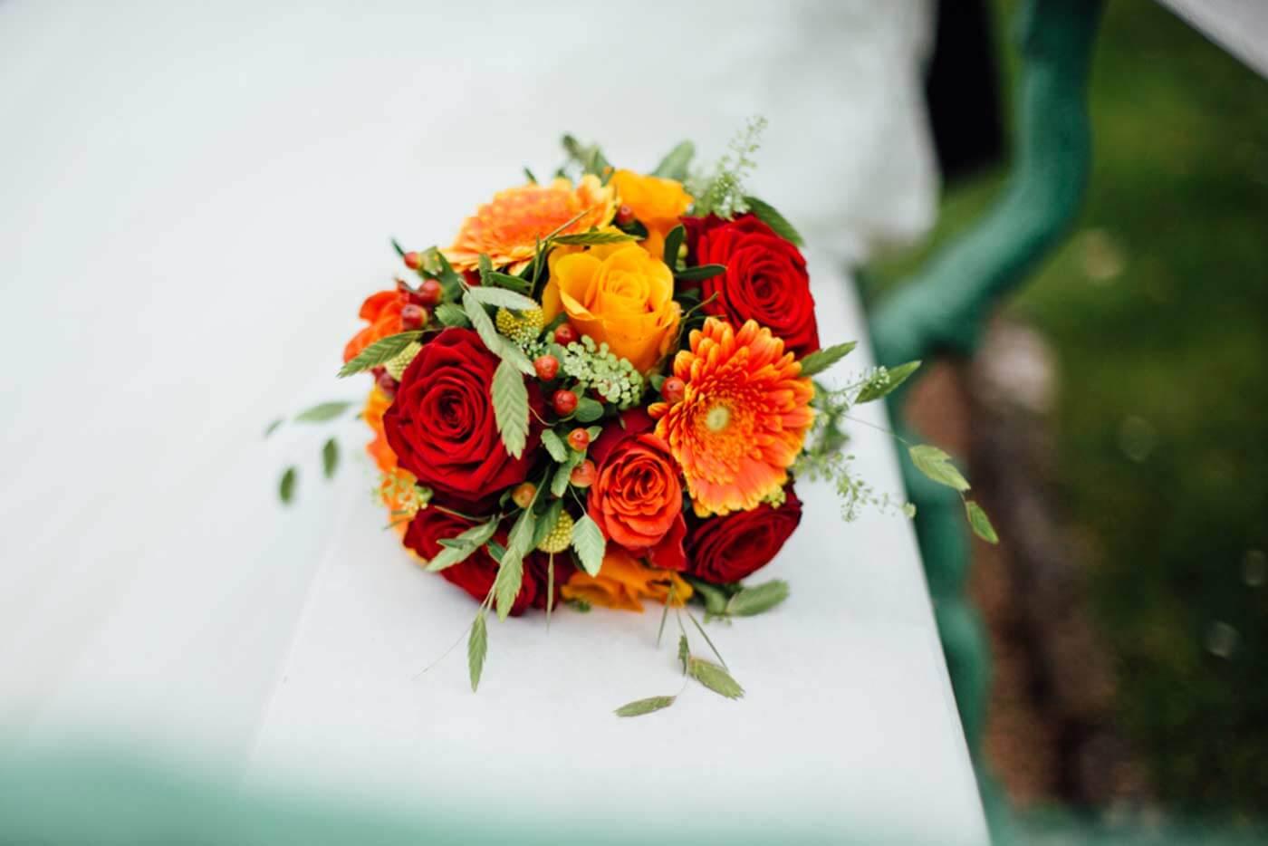 Brautstrauß in Orange & Rot