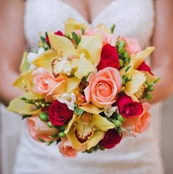 Hochzeitsstrauß bunt
