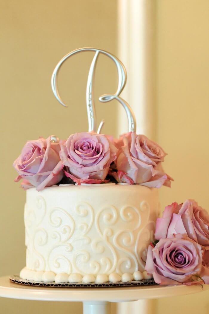 Hochzeitstorte mit weißer Schokolade