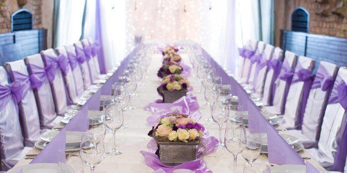 Blumengestecke f r die hochzeit ideen tipps beispiele for Hochzeitstafel deko