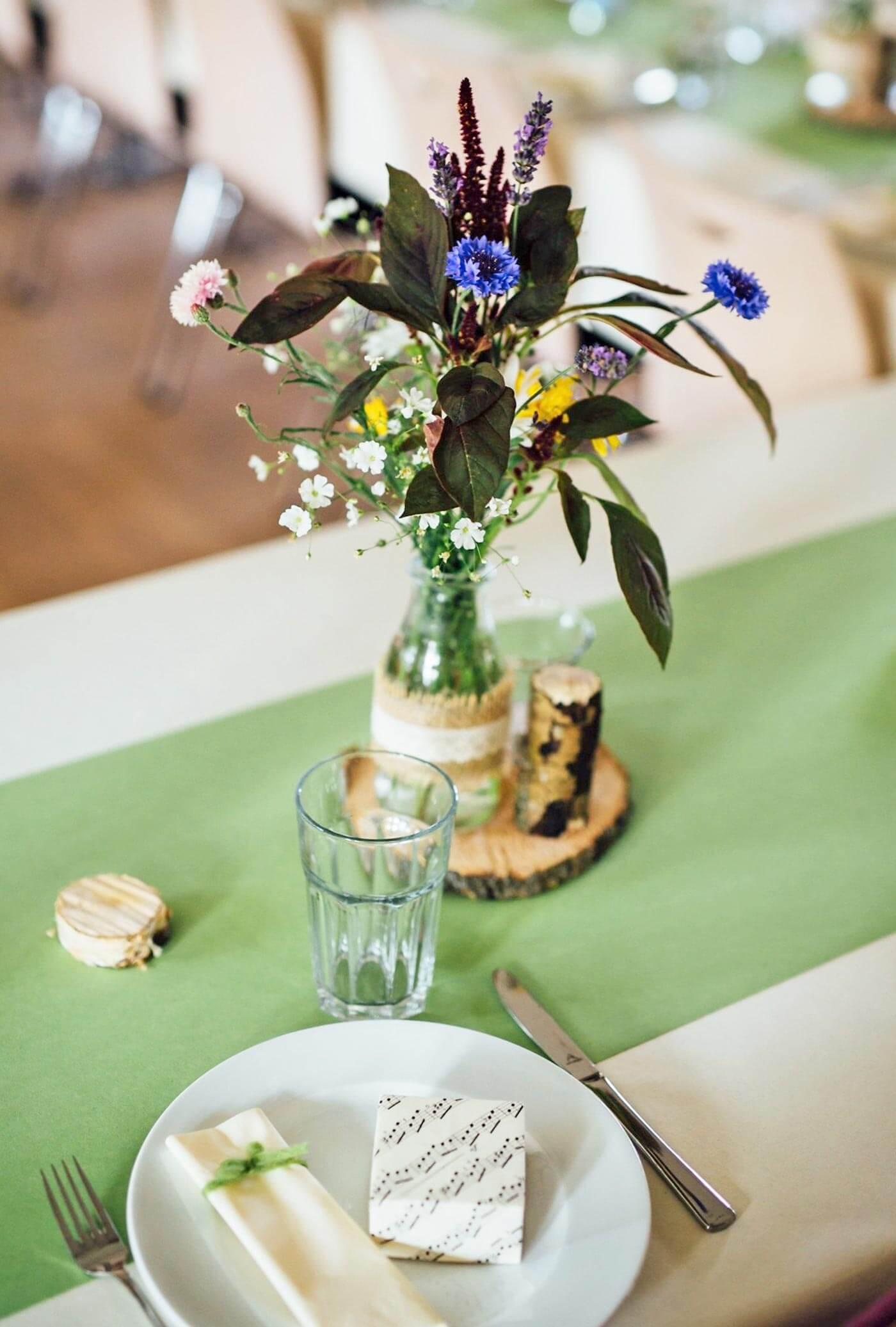 Holzscheiben Tischdeko