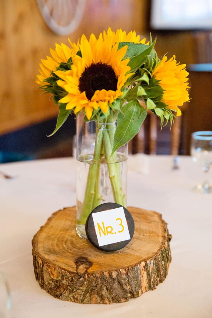 Tischdeko mit Sonnenblumen