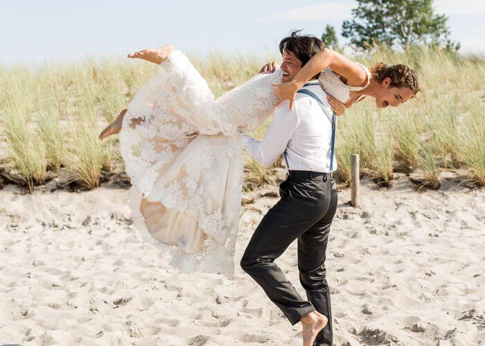 Barfüßige Braut