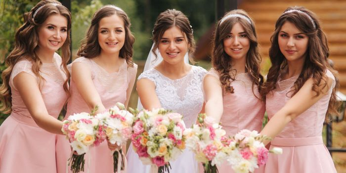 Rosa Brautjungfernkleider