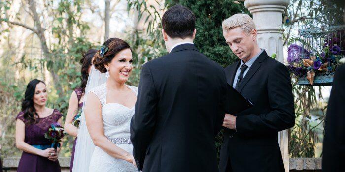Federn-Hochzeit