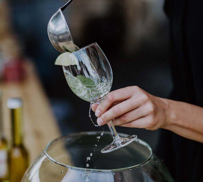 Getränke für die Hochzeit | Planung & Kosten richtig