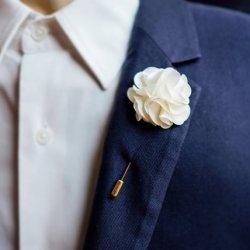 Hochzeitsanstecker aus Stoff