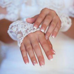 Gelnägel für die Hochzeit