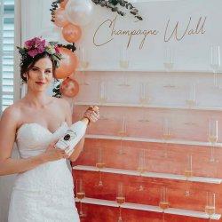 Champagner Wall
