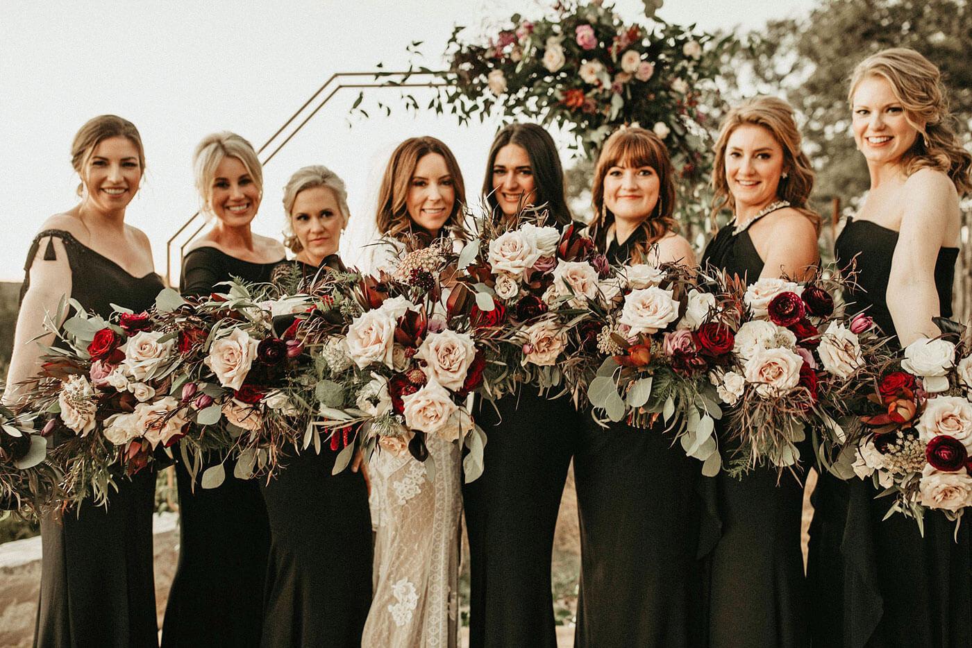 Schwarze Brautjungfernkleider